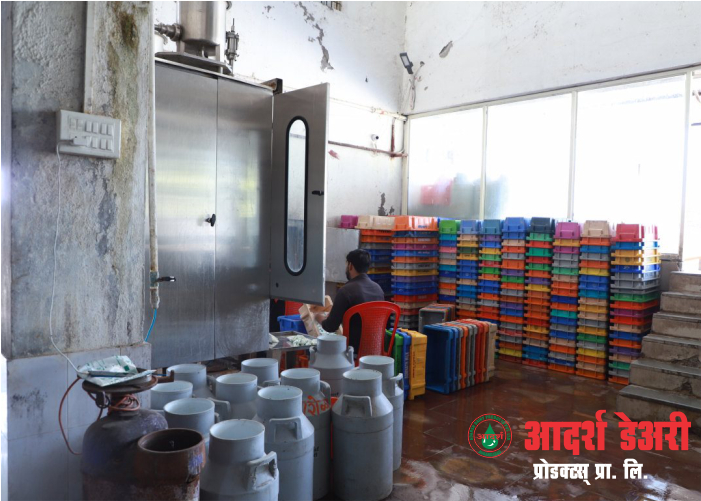 maintained-cleanliness-machinery-processed-milk-packaging-of-milk-in-packets-bottle